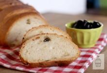 Pane alle olive e cipolla