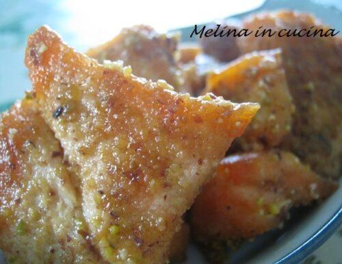 Salmone in crosta di pistacchi e mandorle