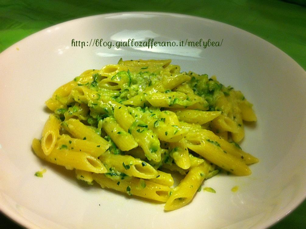 Pasta al verde - zucchine e gorgonzola