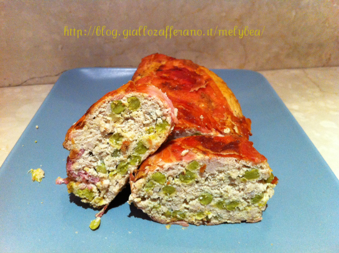 Bon roll fatto in casa con asparagi e piselli