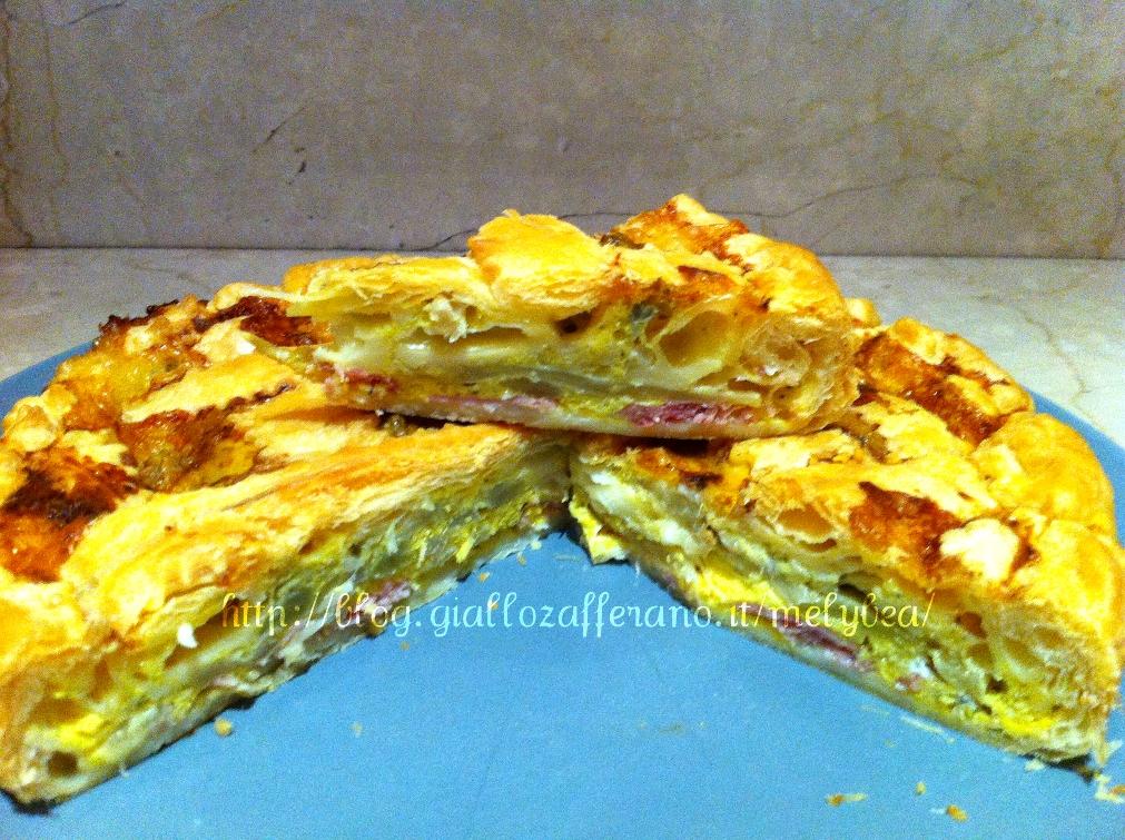 Torta salata agli asparagi, speck e formaggi