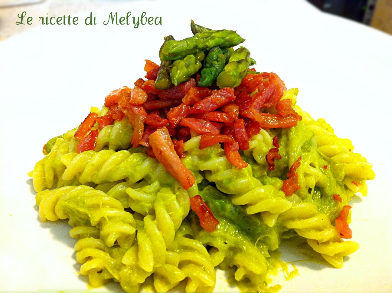 pasta con crema di asparagi e pancetta croccante
