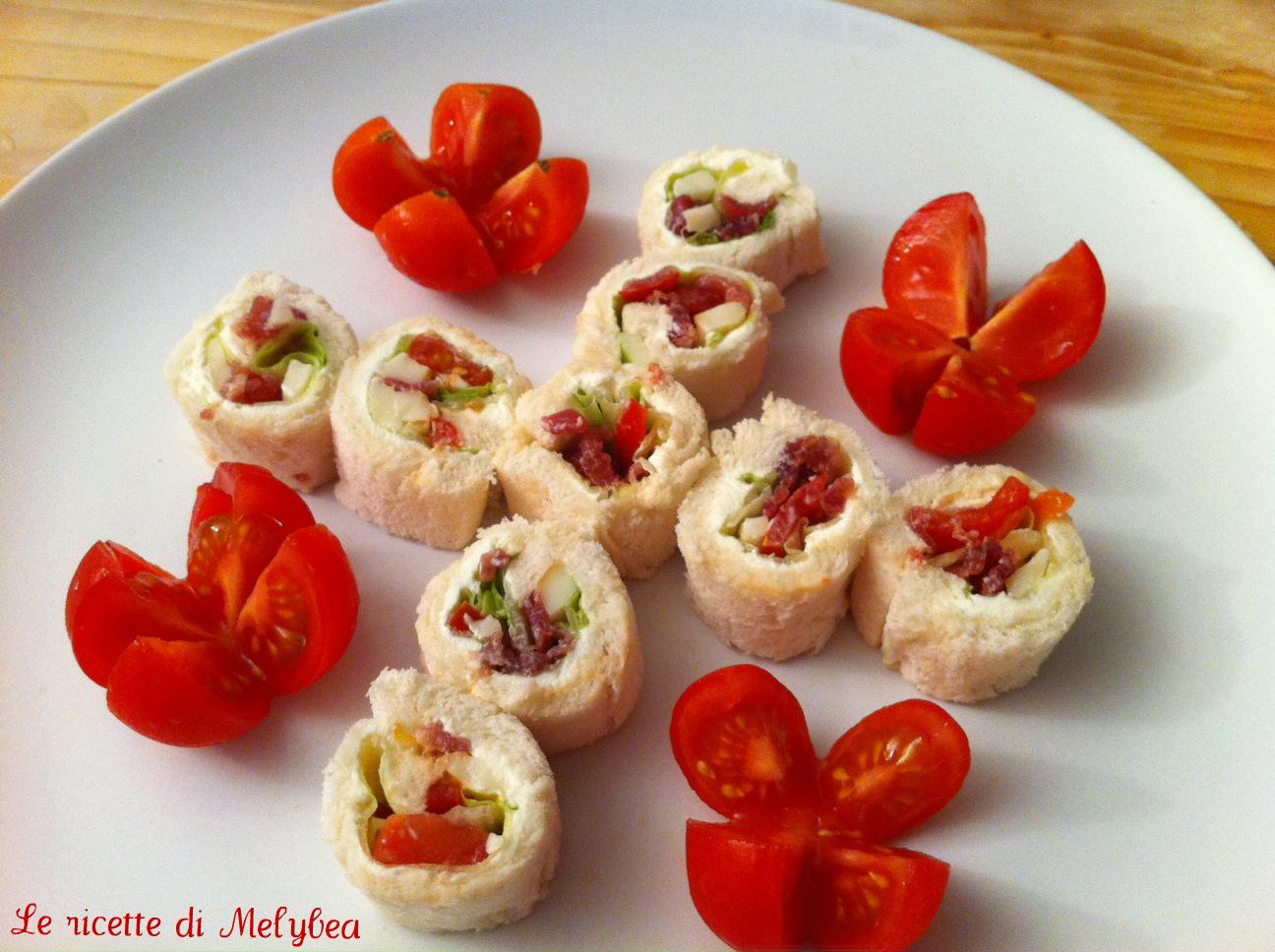 Rotolini di pancarrè con pomodorini e bresaola
