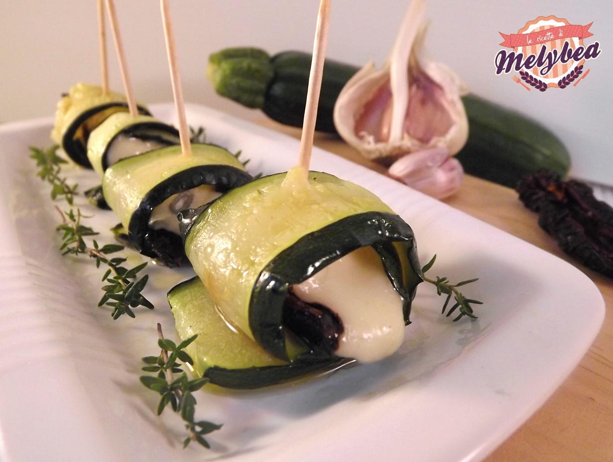 involtini di zucchine, gorgonzola e pomodori secchi