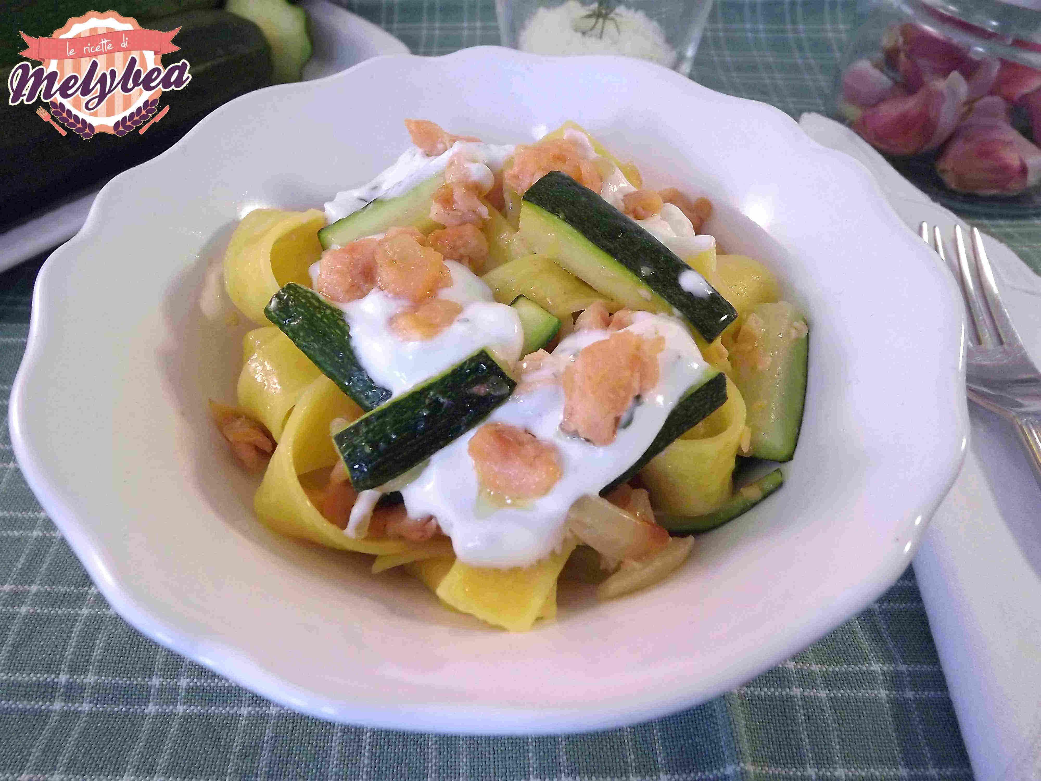 pasta con salmone e zucchine