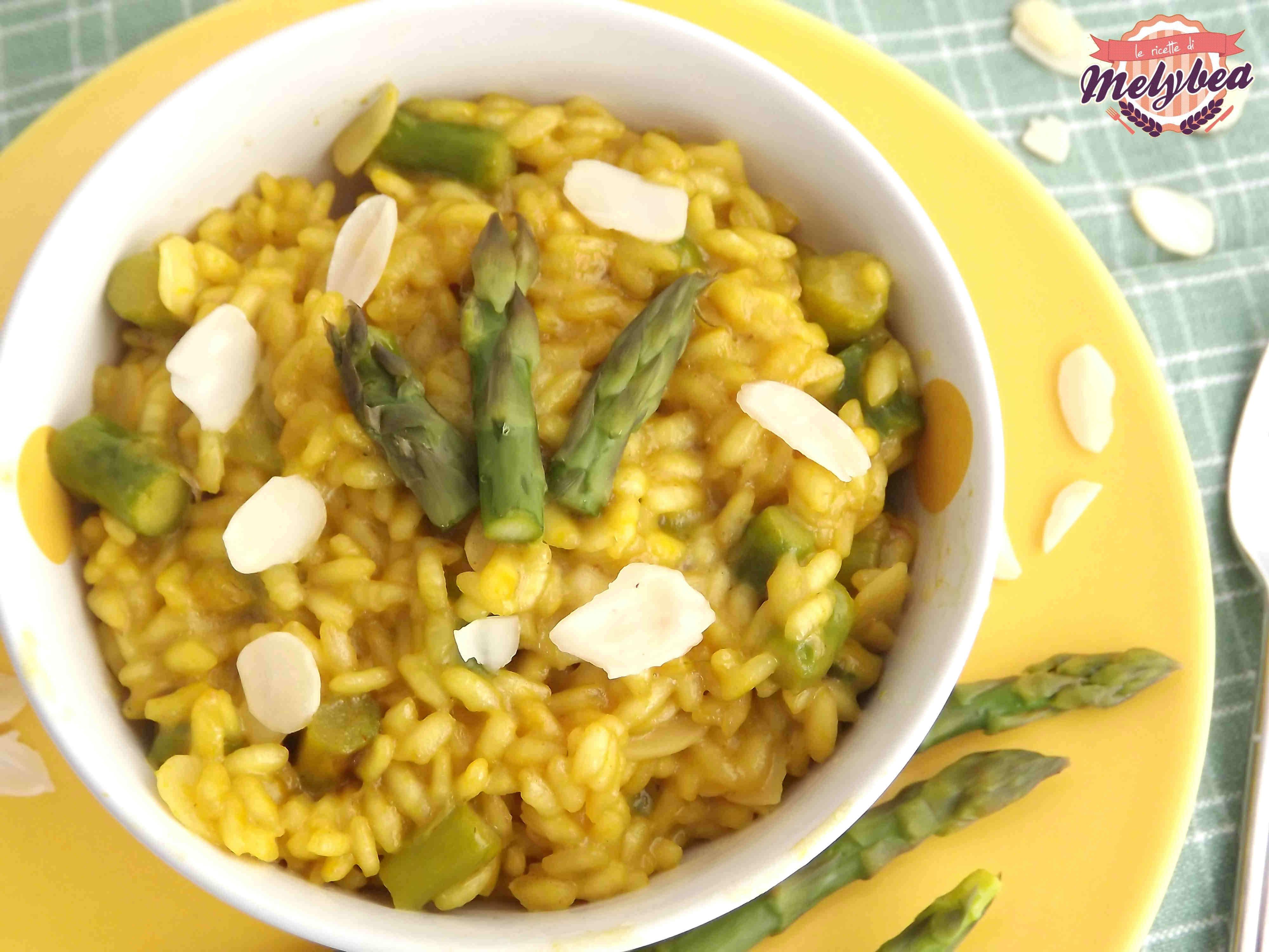 risotto agli asparagi con zafferano e mandorle