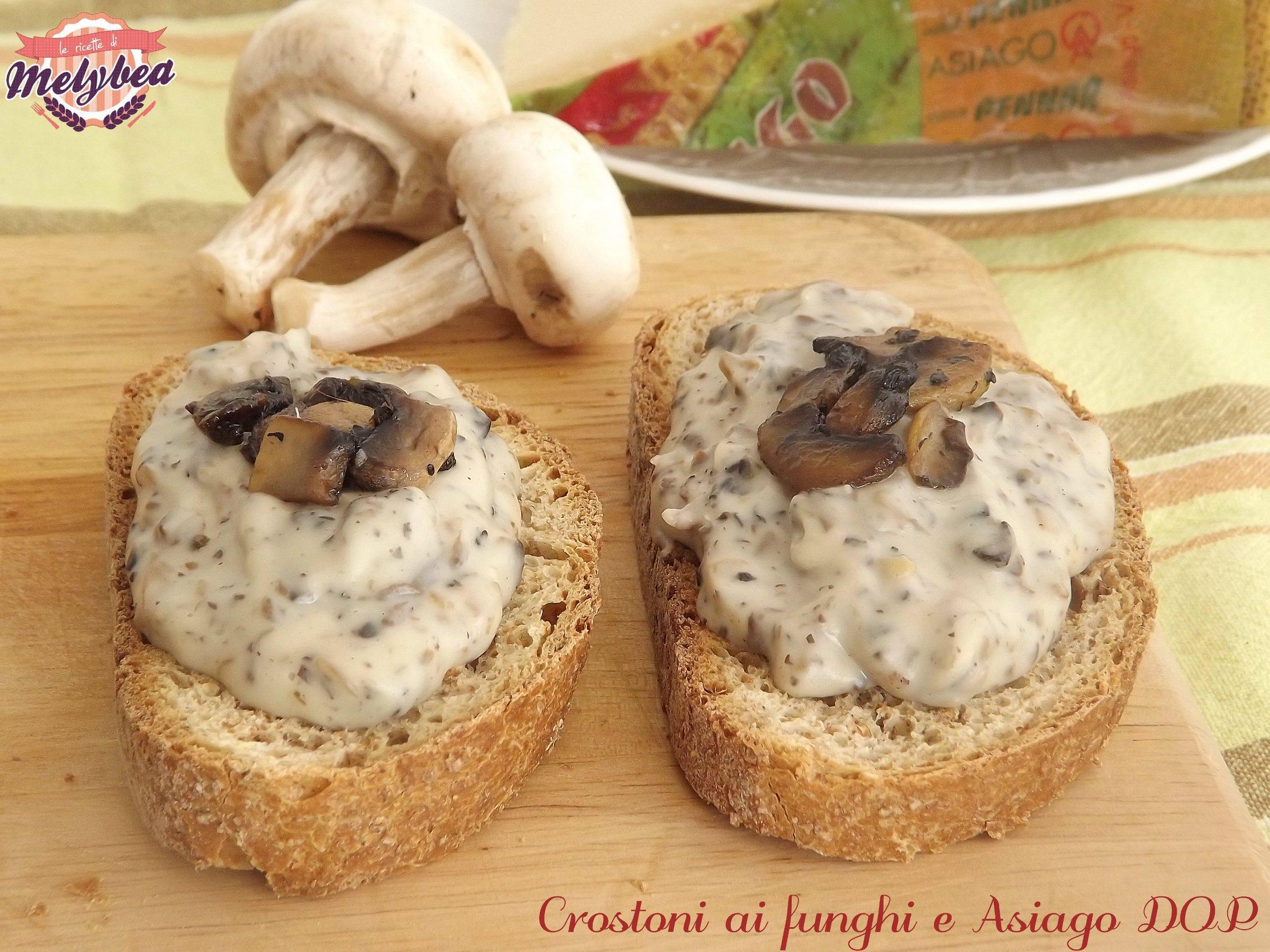 crostoni ai funghi e asiago dop