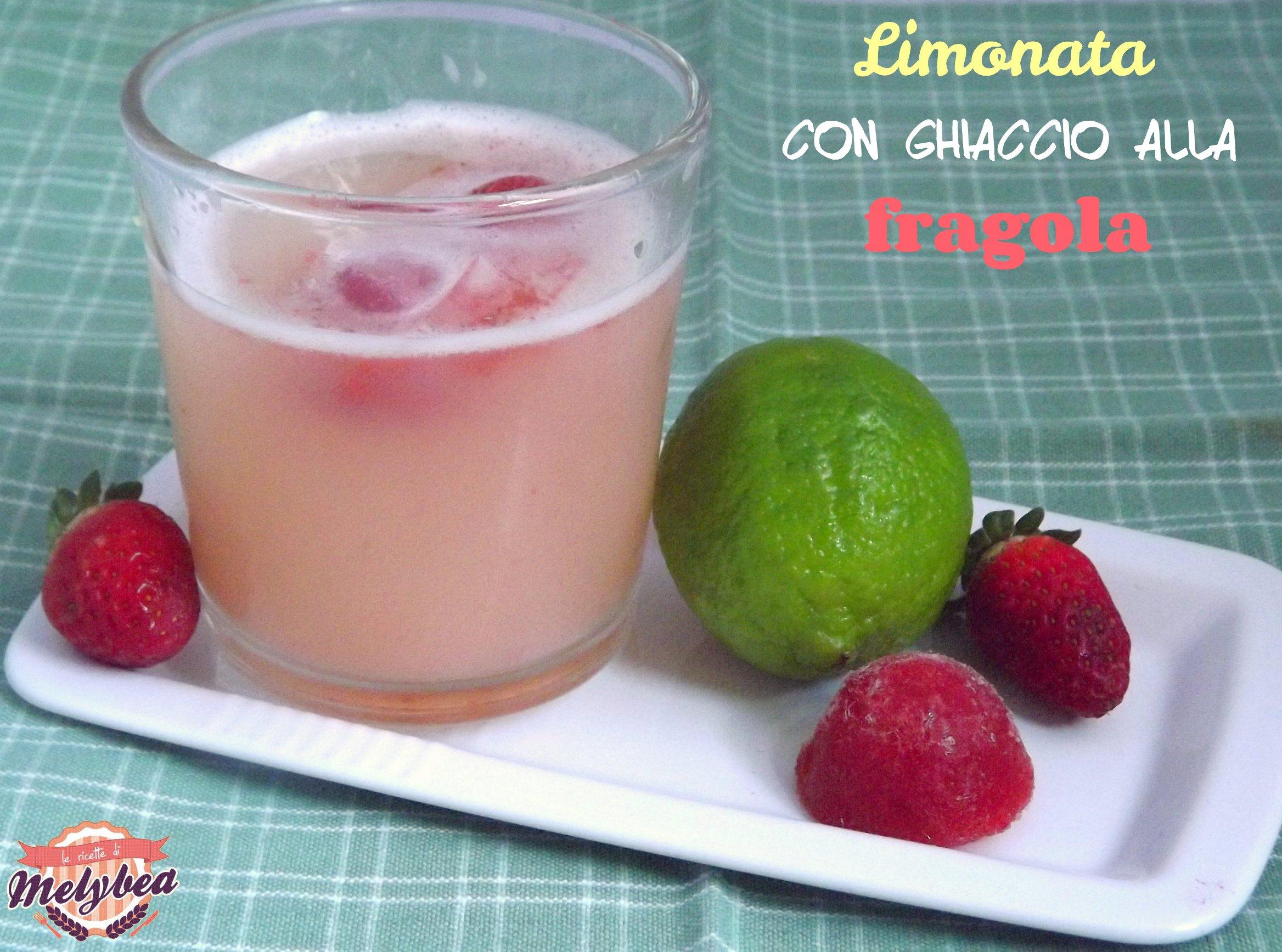 limonata con ghiaccio alla fragola