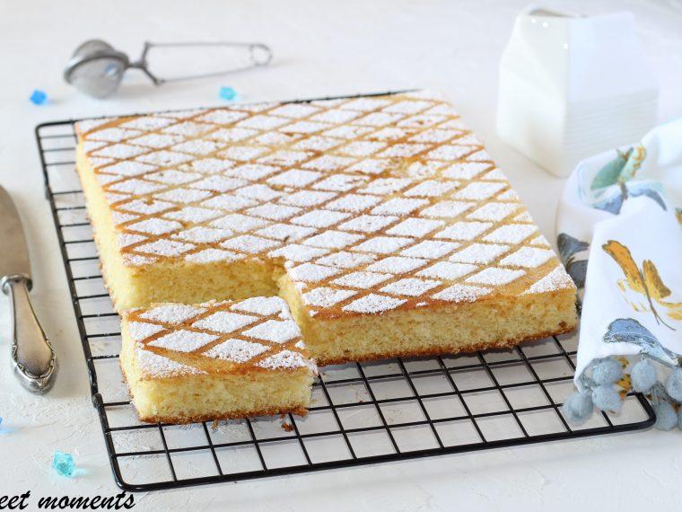 Torta morbida al latte caldo