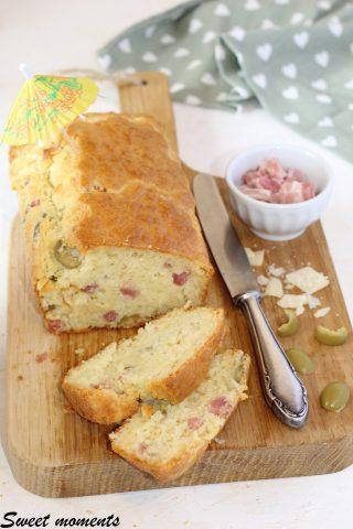Plumcake con pancetta e olive verdi