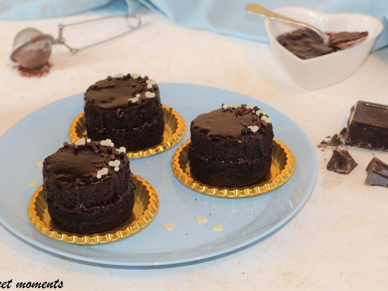 Tortine al cacao con confettura