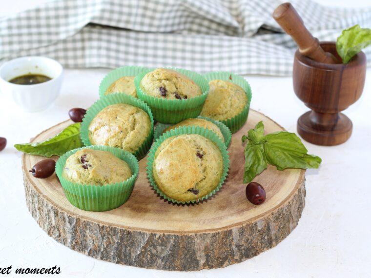 Muffin salati al pesto e olive