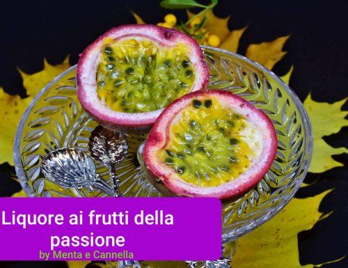 Liquore passion fruit Maracujá o ai frutti della passione