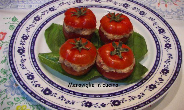 Pomodorini ripieni tonno e maionese