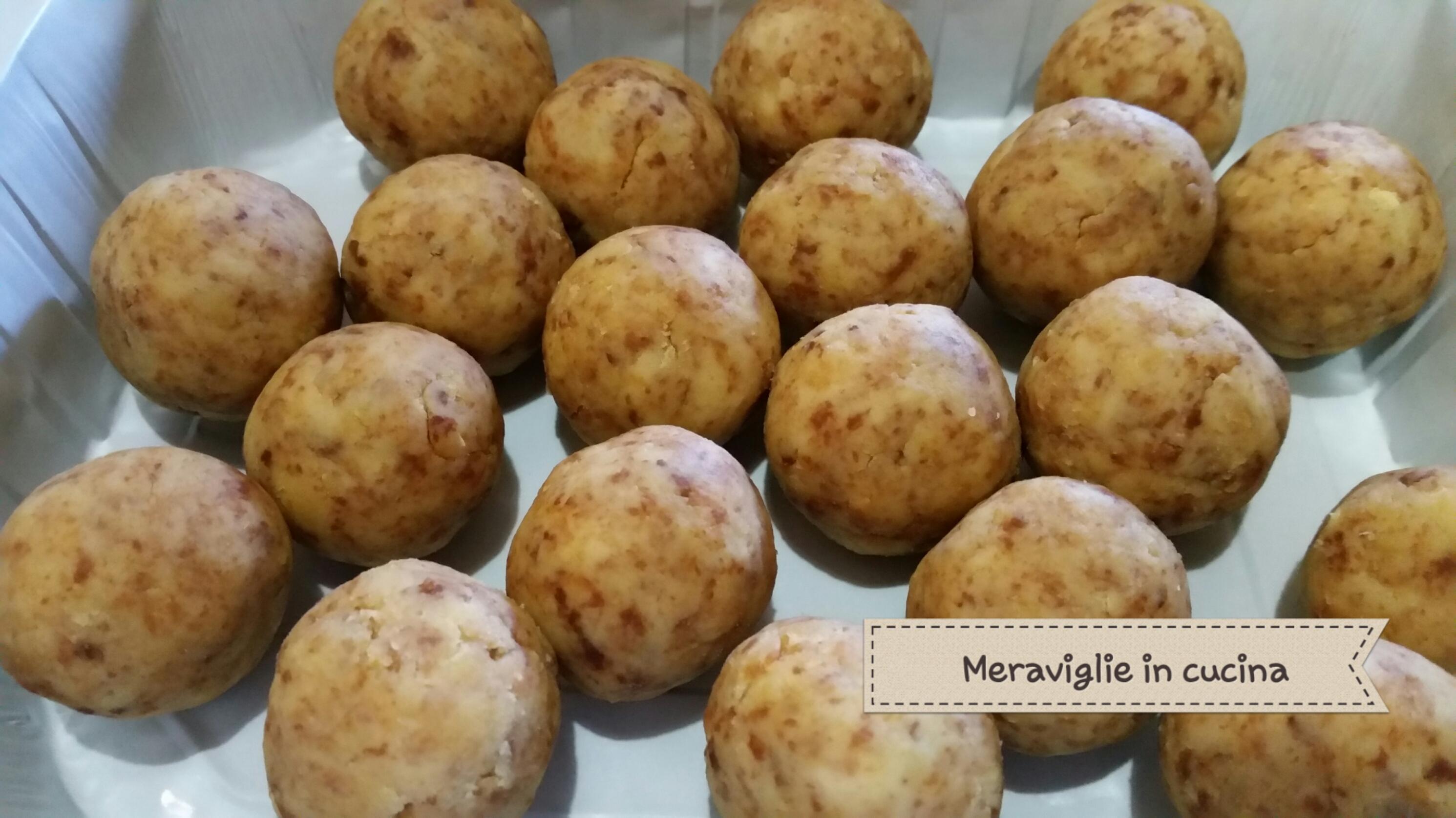 Cake pops di pandoro con mascarpone e cioccolato