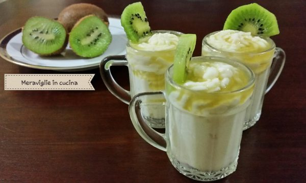 Crema mascarpone e cocco con coulis di kiwi