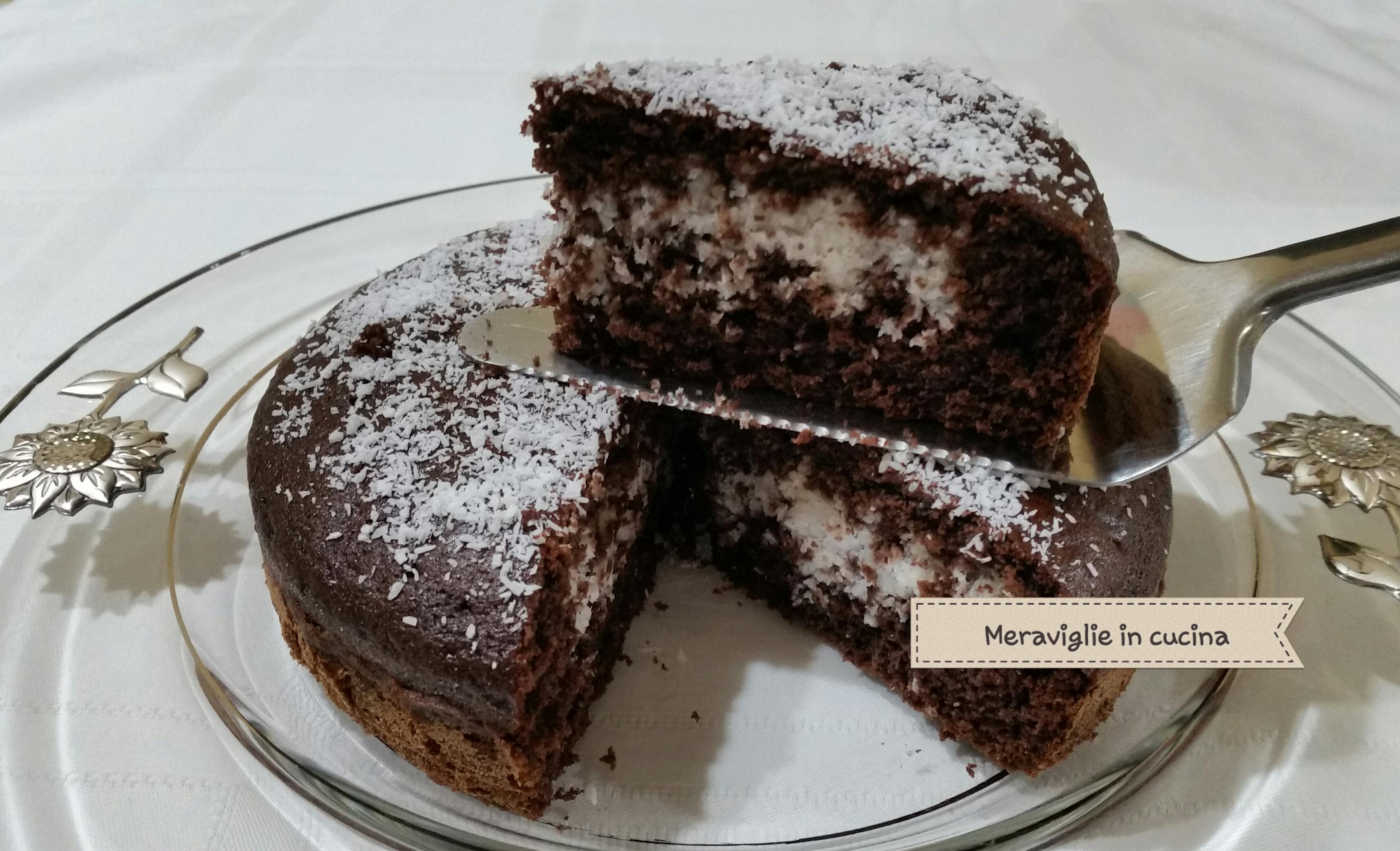 torta al cacao con cuore al cocco