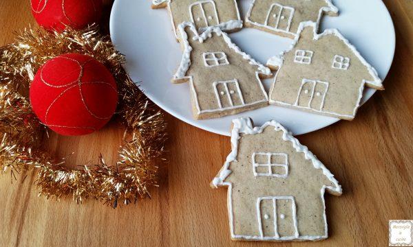 Biscotti natalizi di frolla alle mandorle