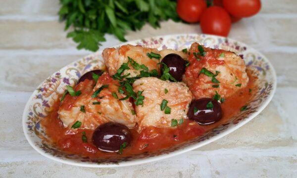 Baccalà con pomodori e olive