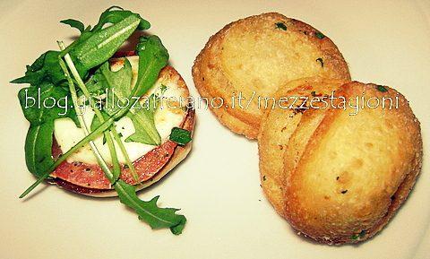 Pizzette fritte farcite Ricetta pizza fritta napoletana