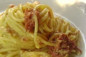 Spaghetti alla simmenthal, la ricetta che stupisce