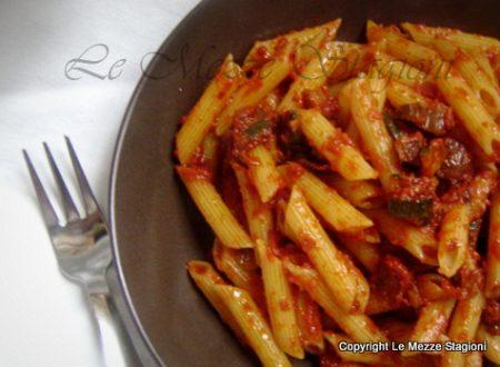 Pennette zucchine pancetta e pomodoro, ricetta facile