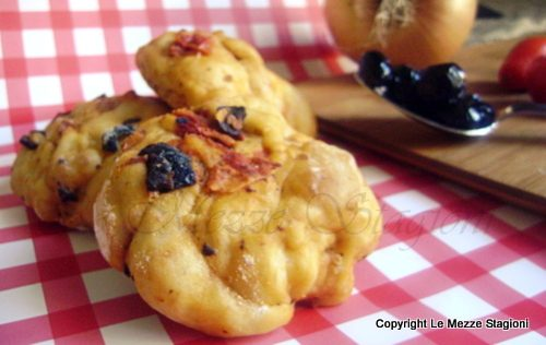 Pizzi leccesi, ricetta panini lievitati