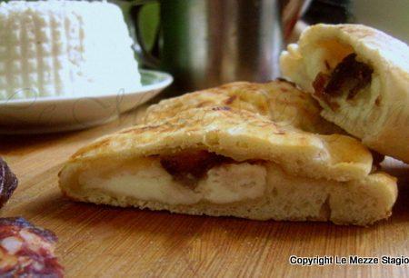 Calzone con ricotta e salame al forno, ricetta