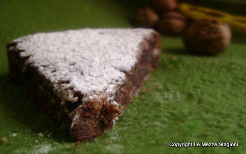 Torta cioccolato e noci, ricetta senza farina