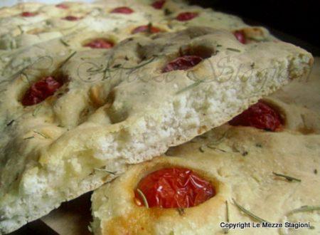 Focaccia istantanea con pomodorini e mozzarella, ricetta