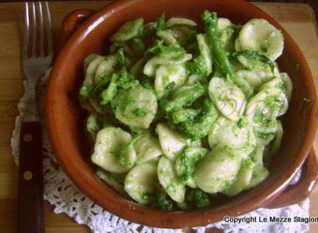 Orecchiette con broccoli e acciughe, ricetta