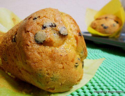 Muffin all'arancia e gocce di cioccolato