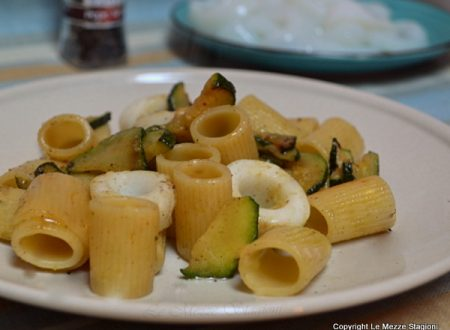 Calamarata bianca con zucchine ricetta