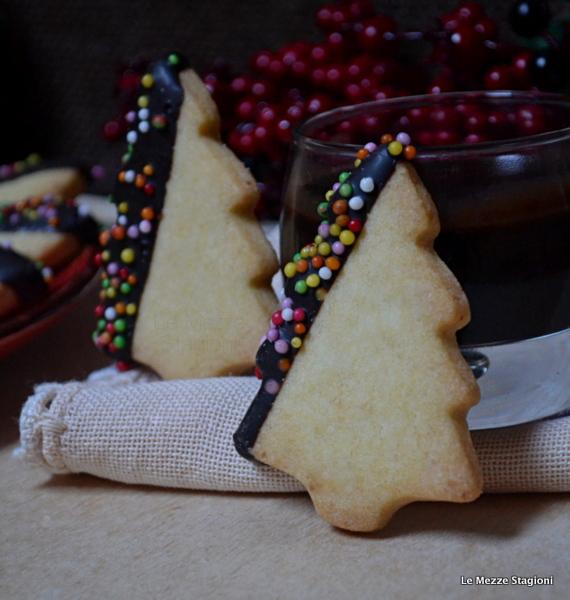Dolci Di Natale Con Il Bimby.Biscotti Di Natale Con Glassa Al Cioccolato Ricetta Anche Bimby