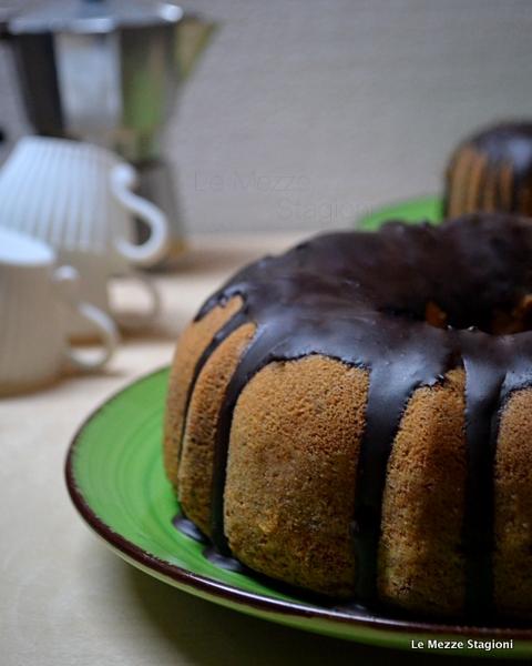 Ciambella al caffè e cioccolato