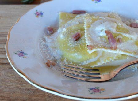 Ravioli di patate e pancetta con fonduta di formaggio anche bimby