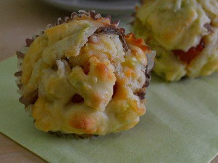 Muffin salati alici e pomodori secchi