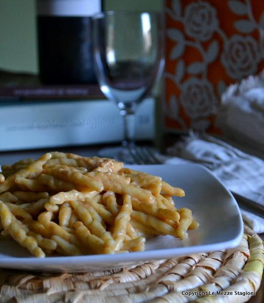 pasta al pesto di pomodori secchi e mandorle