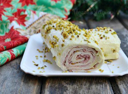 Tronchetto salato con mortadella e pistacchi