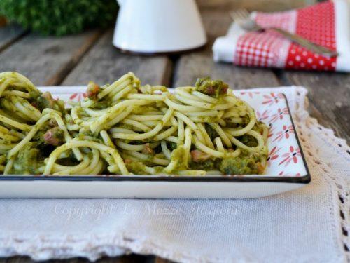 Spaghetti con broccoli e pancetta
