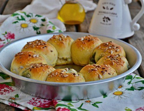 Pan brioche farcito con ricotta e spinaci