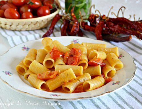 Pasta con pachino sugo con pomodorini freschi