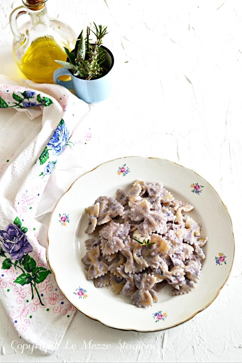 pasta con cavolo cappuccio viola