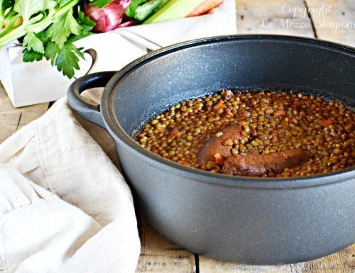 Lenticchie in umido con salsicce