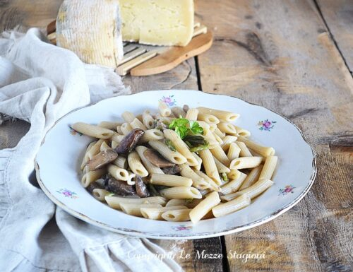 Pasta asparagi e funghi