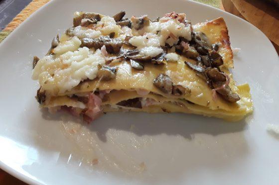 Lasagne ai carciofi e prosciutto cotto