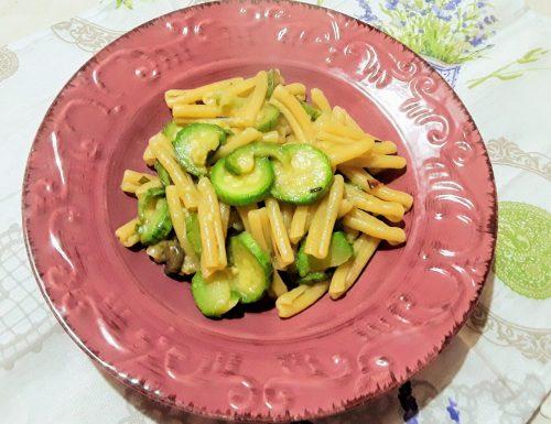 Caserecce con zucchine e alici sottolio