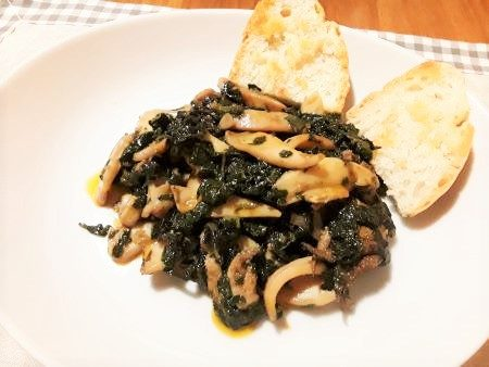 Seppie con spinaci
