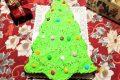 Dolce albero di Natale con pistacchi
