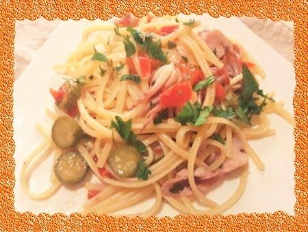 Pasta con totani, peperoni e zucchine